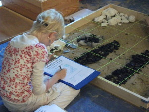 1 AKM Children's activities planning a dig